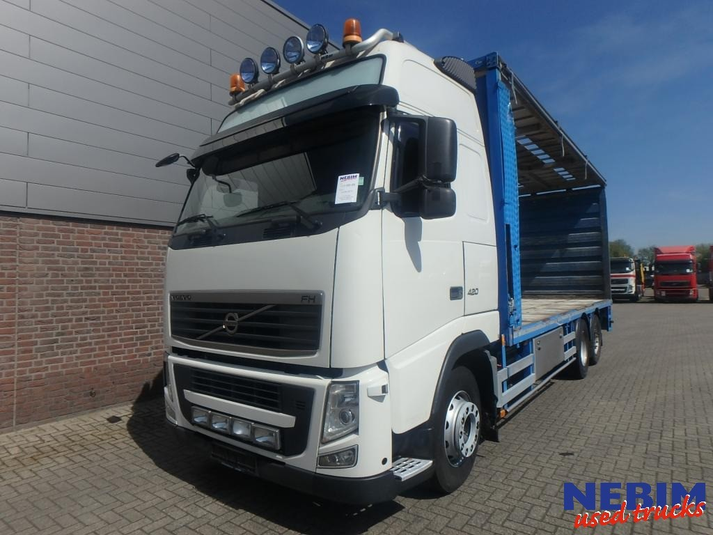 FH13 420 6x2 Euro 5 Poulty transport